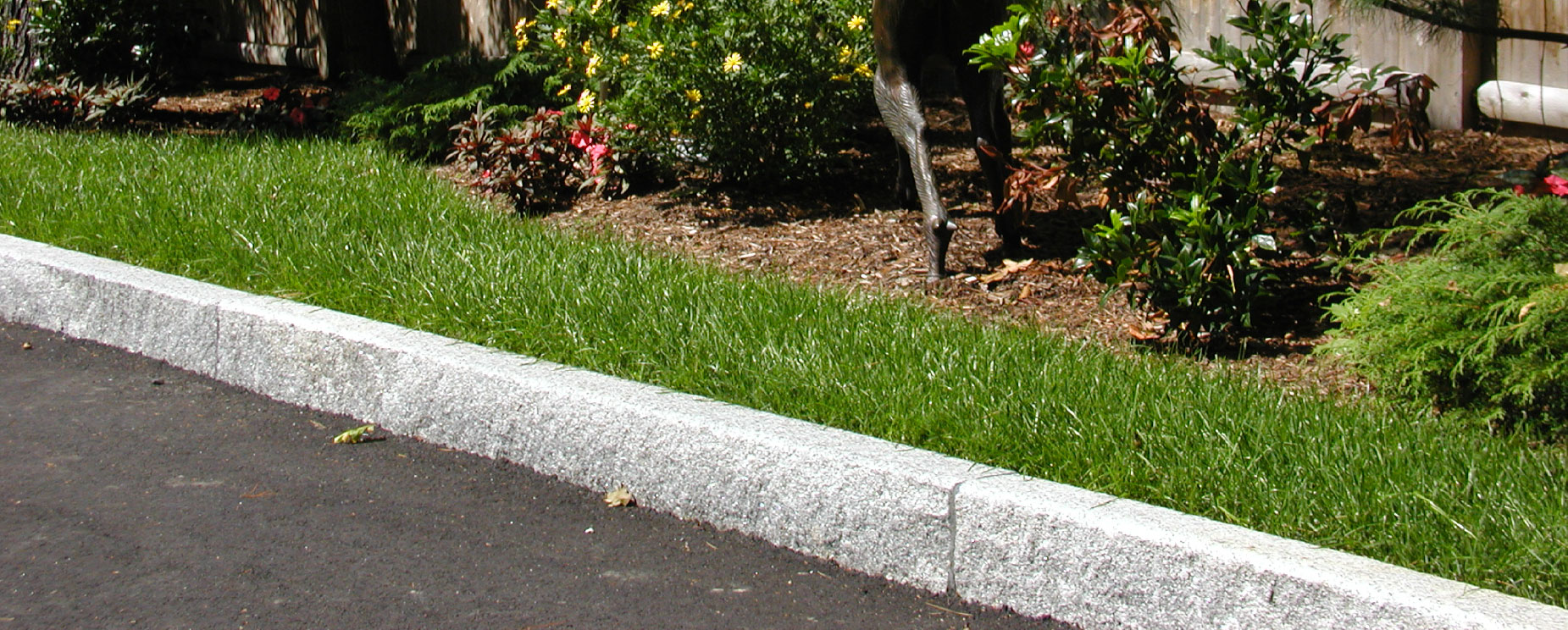 Walls, caps & edging - Polycor Hardscapes