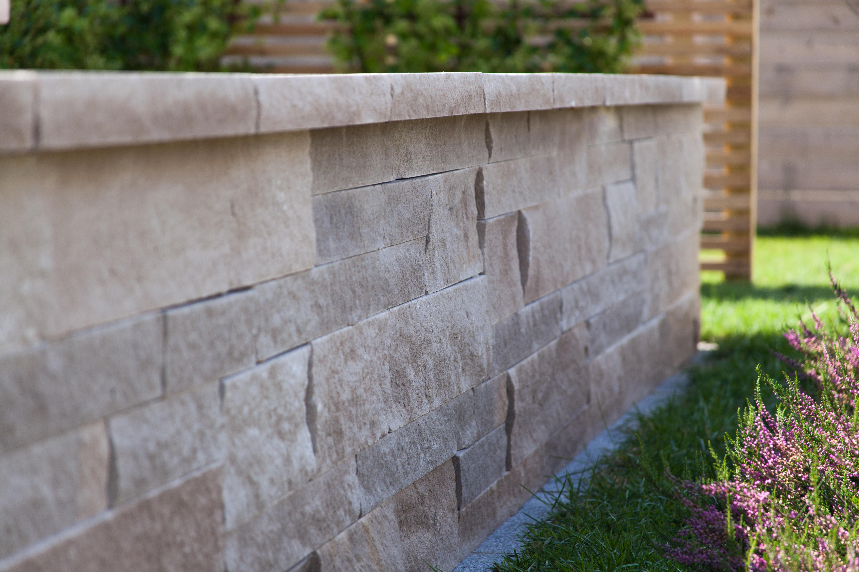 limestone-wall-garden-landscaping-wall-stone