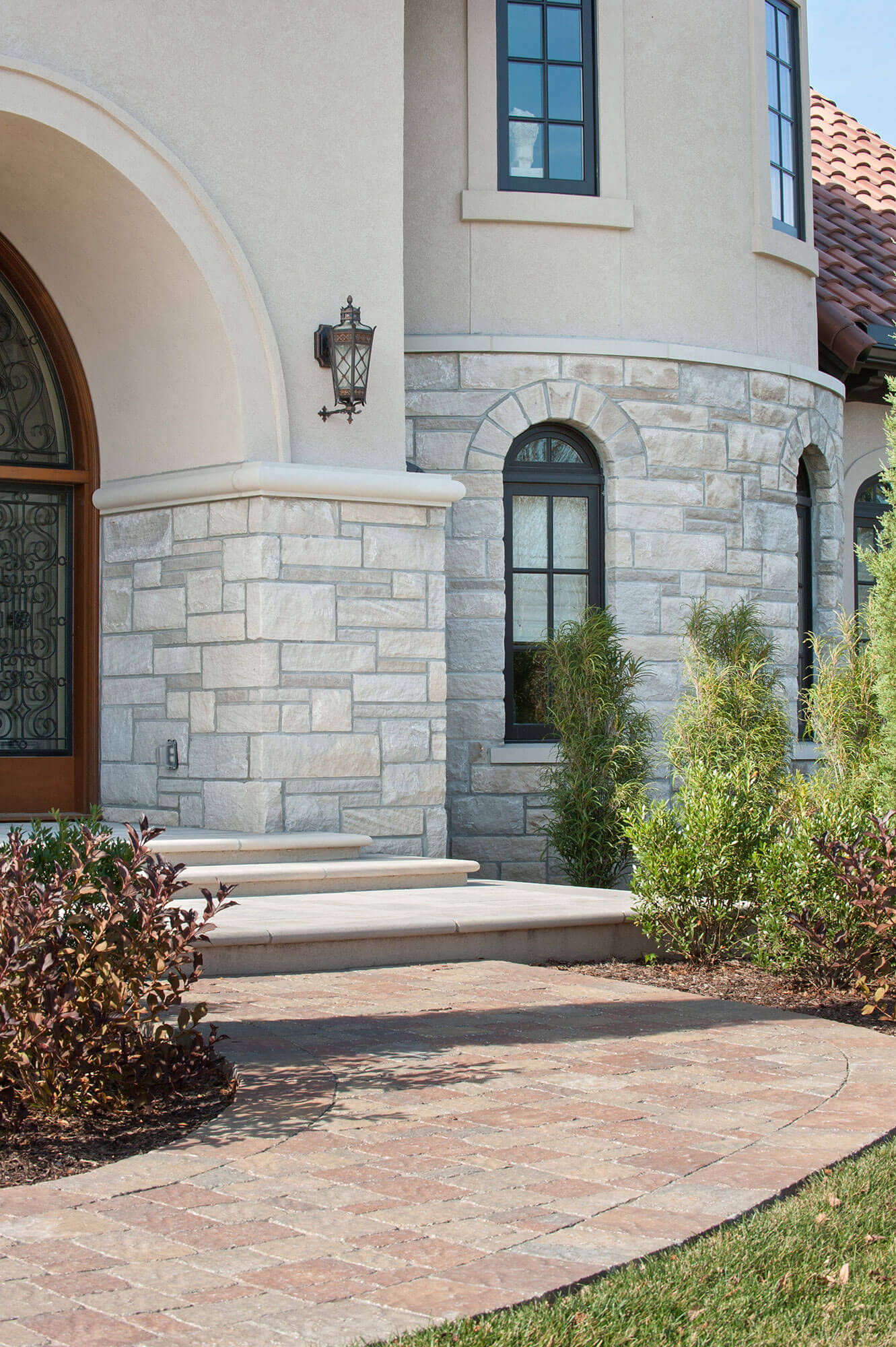 Curb appeal project 16 - Polycor Hardscapes