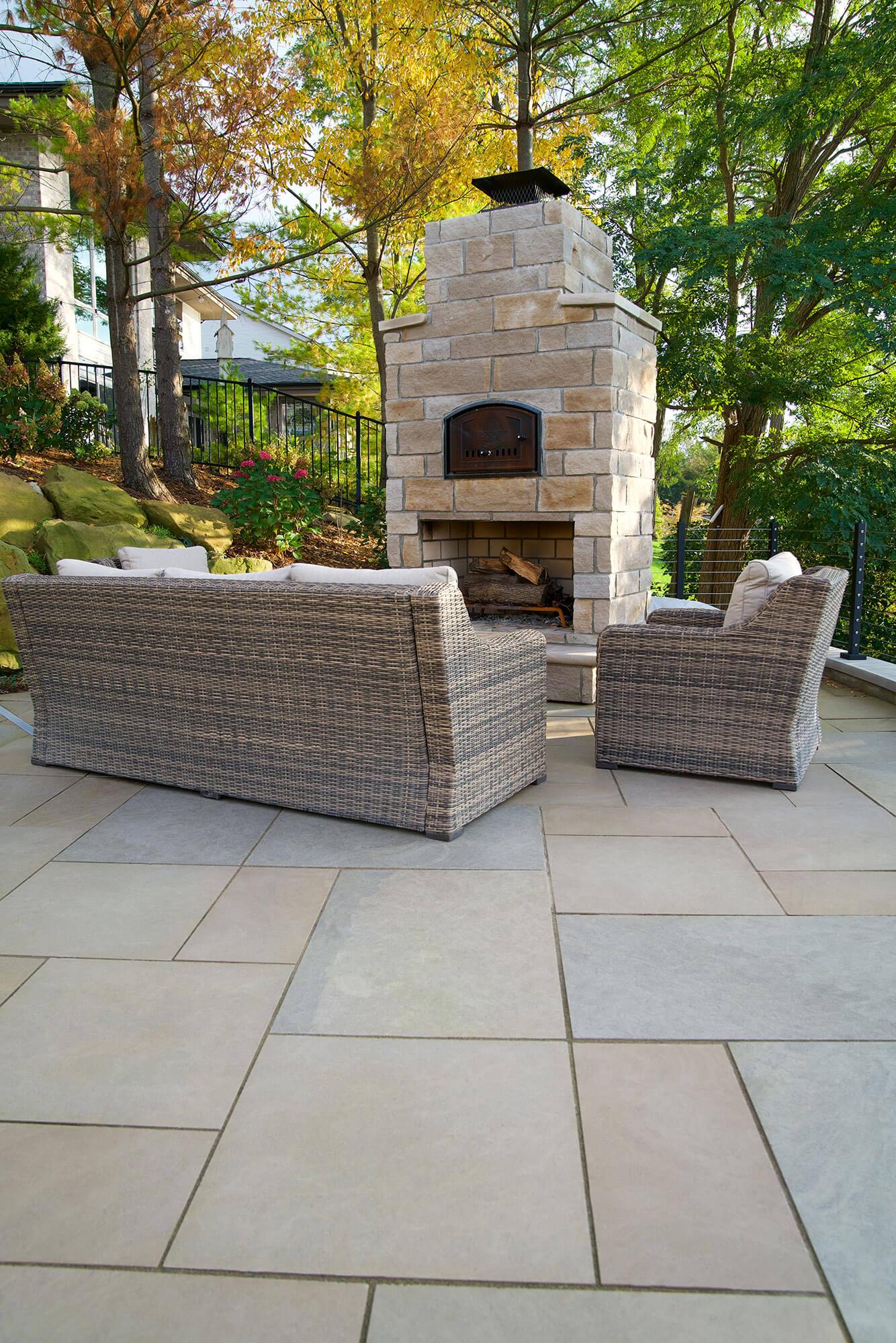 Stone accents project 5 - Polycor Hardscapes